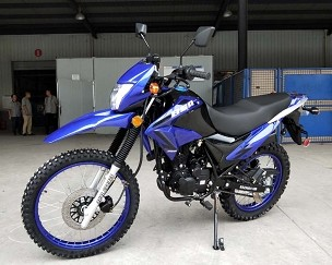 SPECIAL SALE !! New Bashan Enforcer Plus 250 (229cc) Air Cooled Enduro Motorcycle w/ Matching Color Rims - *Shipping Not Included